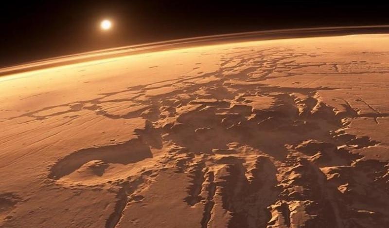 ForPost - Новости : «Роскосмос» показал фото гигантских смерчей на Марсе