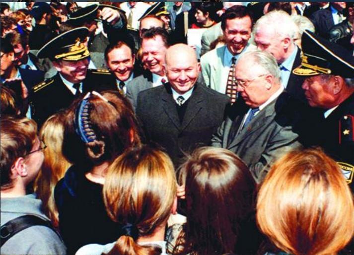 ForPost - Новости : Память Лужкова в Севастополе увековечат памятной доской