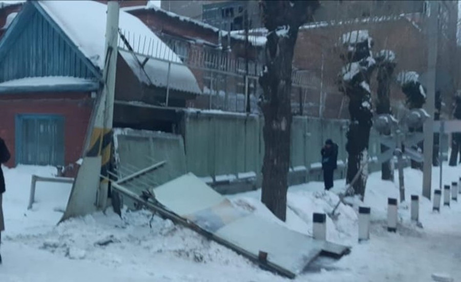ForPost - Новости : Тепловоз с помощью бетонного забора убил женщину