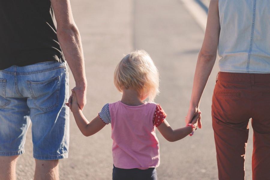 ForPost - Новости : У родителей без официального дохода хотят отобрать детские пособия