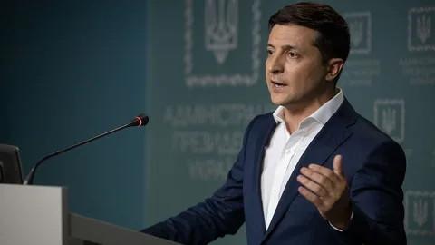 """ForPost - Новости : Зеленский заявил, что его партия постепенно очищается от """"засланных казачков"""""""
