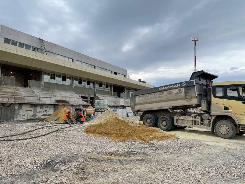 ForPost - Новости : Реконструкция стадиона «Горняк» в Севастополе движется к финалу
