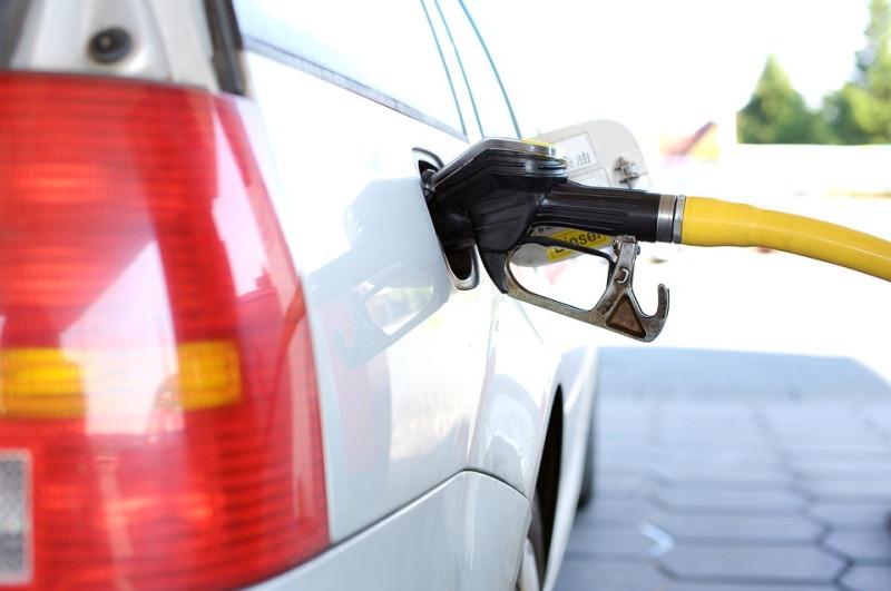ForPost - Новости : Только федеральные власти могут сдержать цены на бензин в Крыму