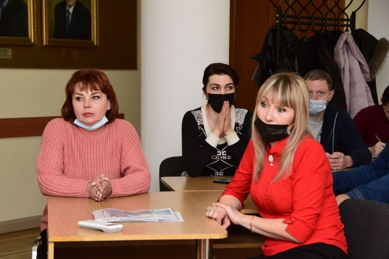 ForPost - Новости : Крымские предприниматели отстояли места торговли на рынке