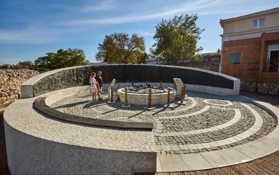 ForPost - Новости : Новодел в Херсонесе помогает народу увидеть настоящее прошлое