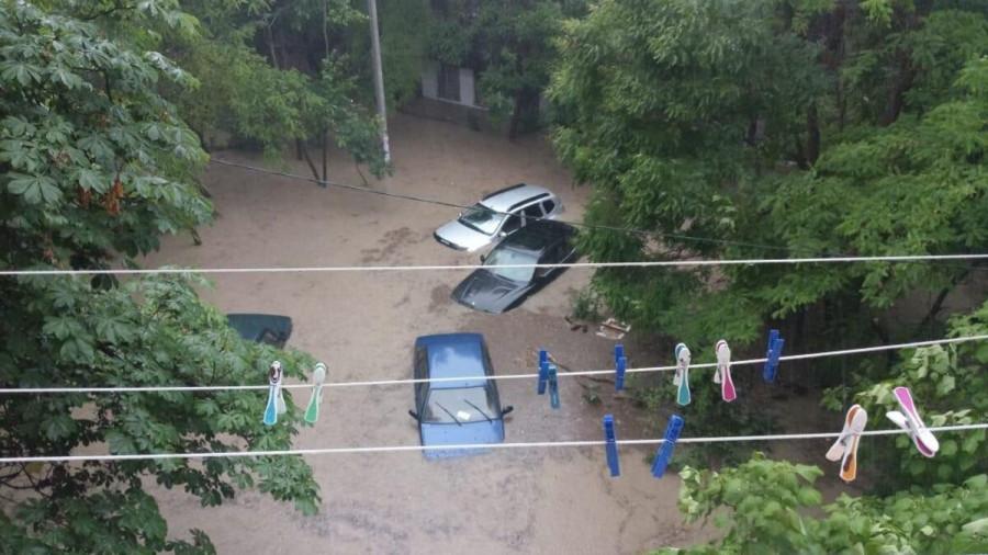 ForPost - Новости : Часть Севастополя опять поплыла после дождя