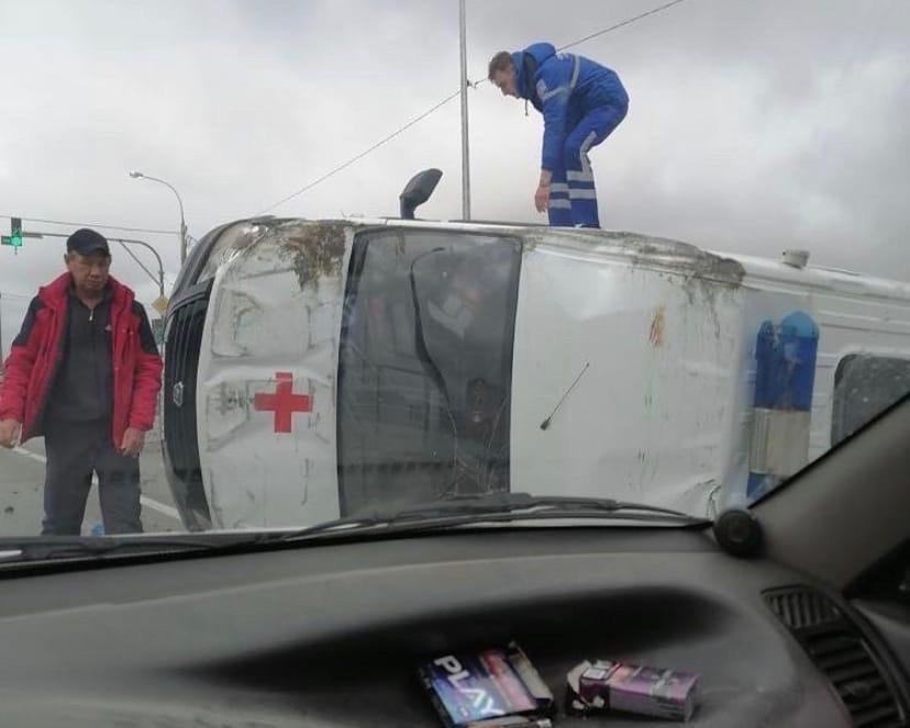 ForPost - Новости : В Севастополе попавшая в аварию скорая спешила на экстренный вызов