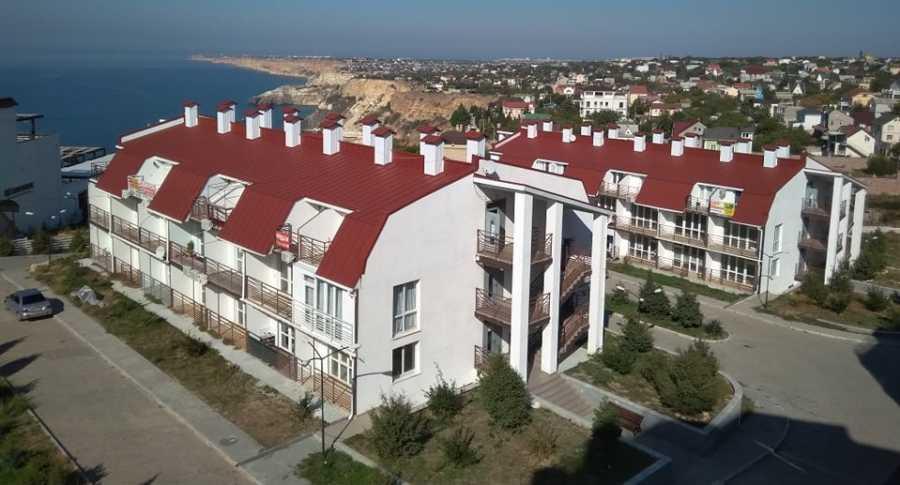 ForPost - Новости : Вонь и вода из бочки: собственники «элитных» апартаментов в Севастополе поделились опытом