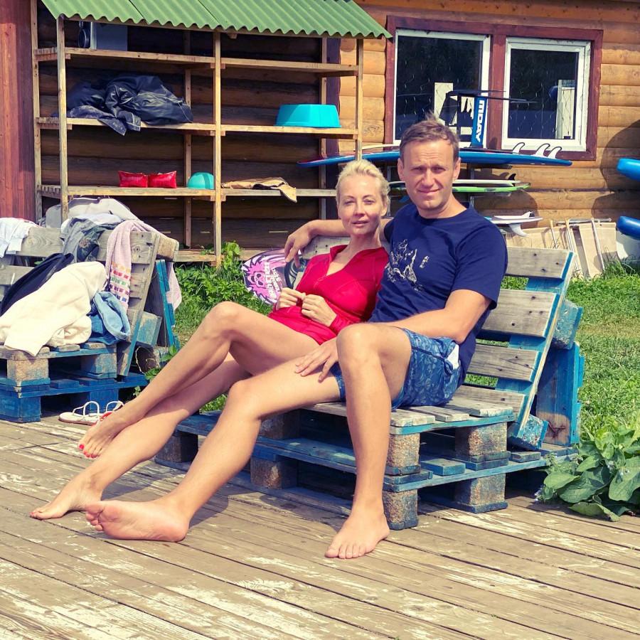 ForPost - Новости : Навальный: «Ох, как устал, и как болит нога!»