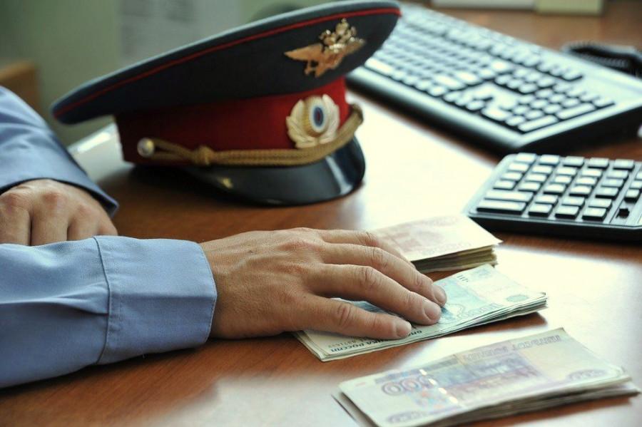 ForPost - Новости : В Севастополе полицейский-антикоррупционер и адвокат-посредник попались на взятках