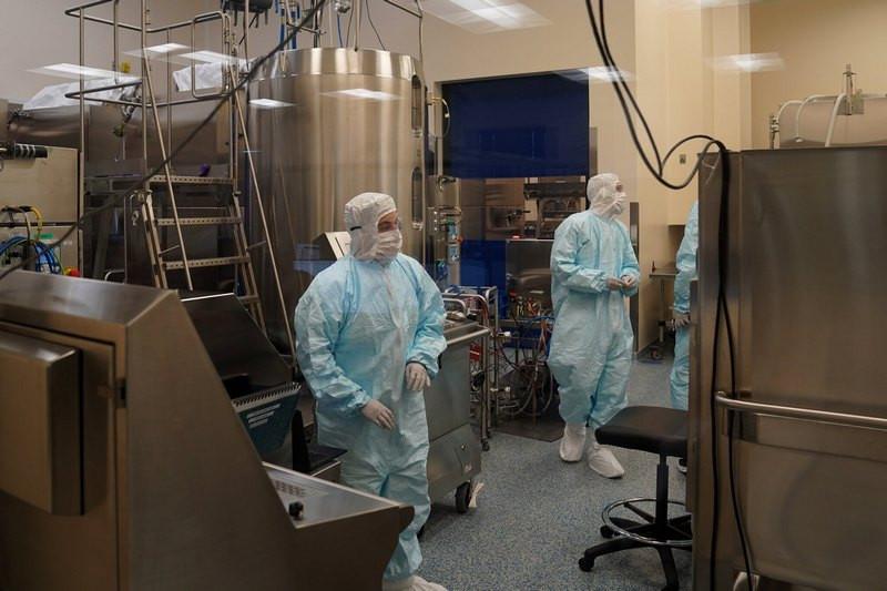 ForPost - Новости : В США испортили 15 миллионов доз вакцины от коронавируса