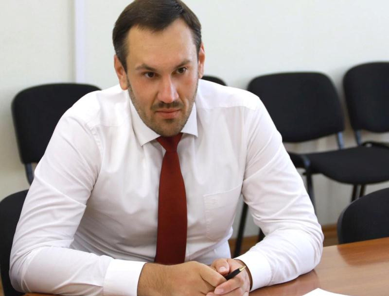 ForPost - Новости : Аксенов уволил главу Госкомрегистра Крыма