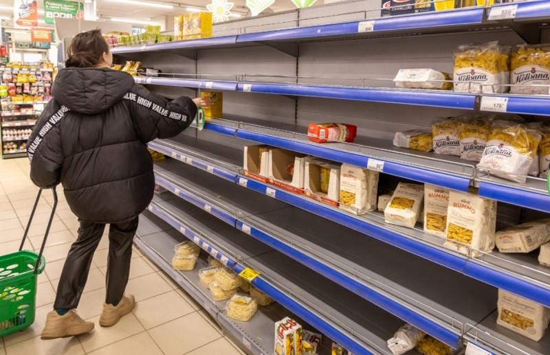 ForPost - Новости : В российские магазины перестали поставлять сахар
