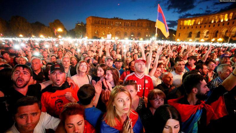 ForPost - Новости : В следующем году в Ереване: есть ли у шанс у армянской государственности