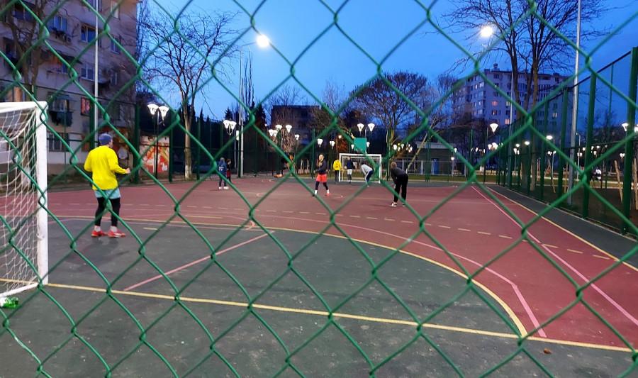 ForPost - Новости : Севастопольских любителей спорта отлучили от школьных стадионов