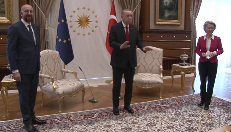 ForPost - Новости : Конфуз или провокация: главу Еврокомиссии поставили в неловкое положение в Турции