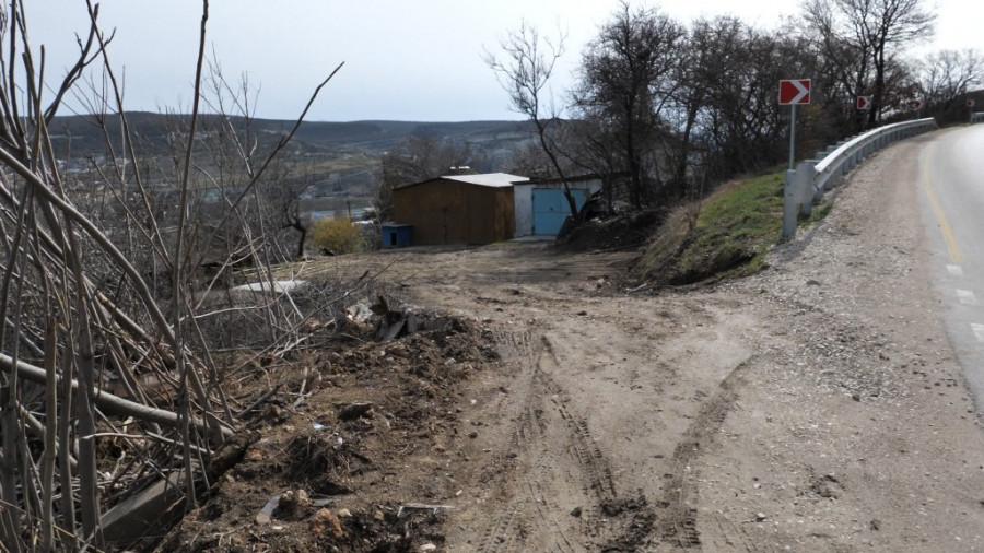 ForPost - Новости : Грязь, вонь, наркоманы: что губернатору Севастополя рассказали в Инкермане