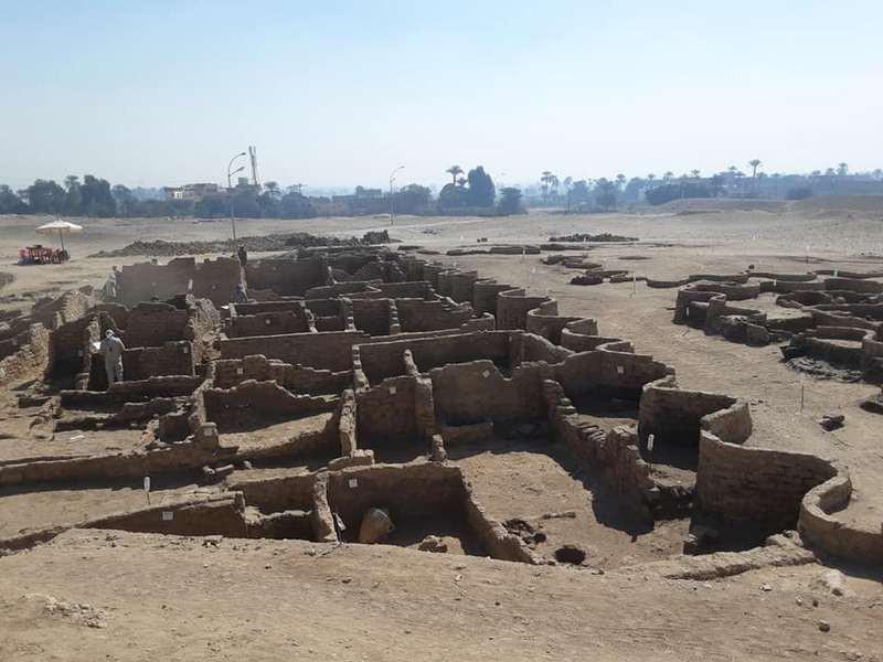 ForPost - Новости : В Египте обнаружили скрытый под песком «золотой город»