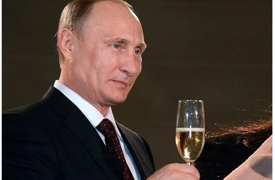 ForPost - Новости : Путин поблагодарил двух севастопольских женщин с разной знаменитостью