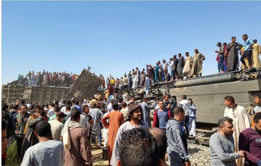 ForPost - Новости : В прокуратуре Египта назвали причину столкновения двух поездов