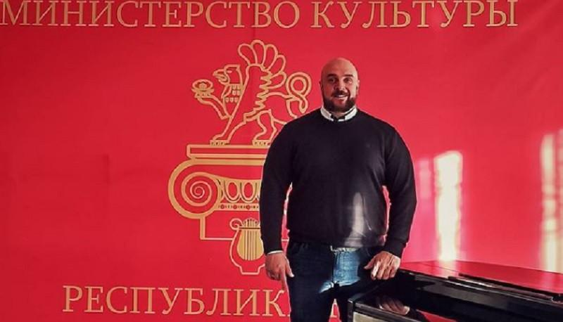 ForPost - Новости : Глеб Клубничка покинул Крым ради «Дома-2»