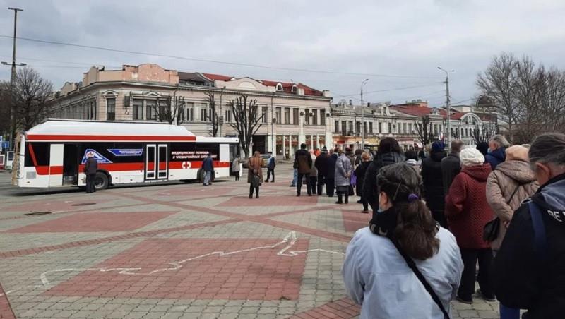 ForPost - Новости : В столице Крыма открыли мобильный пункт вакцинации от коронавируса