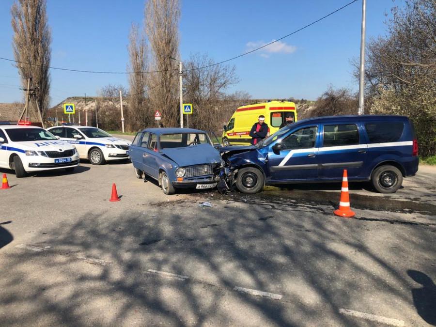 ForPost - Новости : В аварии под Севастополем пострадали двое детей и пятеро взрослых
