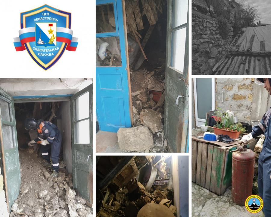 ForPost - Новости : В центре Севастополя рухнула стена жилого дома
