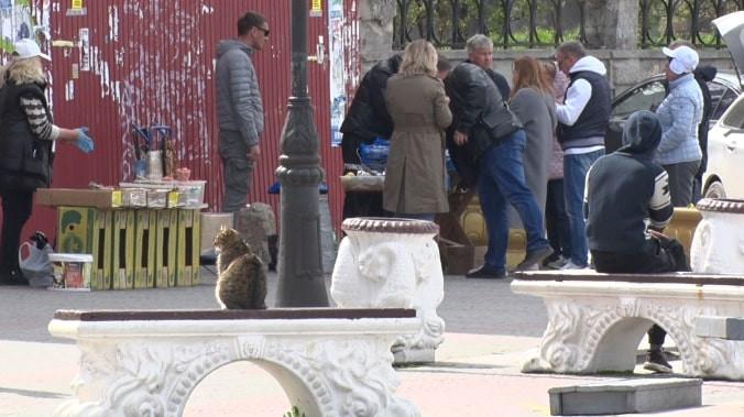 ForPost - Новости : Нелегальные торговцы рыбой в Балаклаве травят людей?