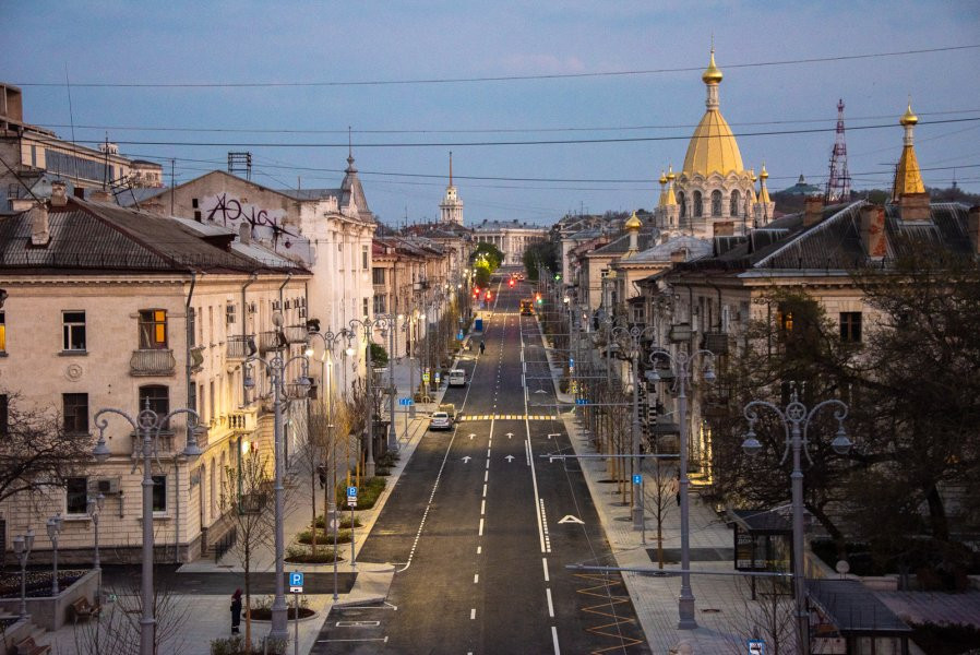 ForPost - Новости : Штукатурные покрытия в центре Севастополя портит подземная река?