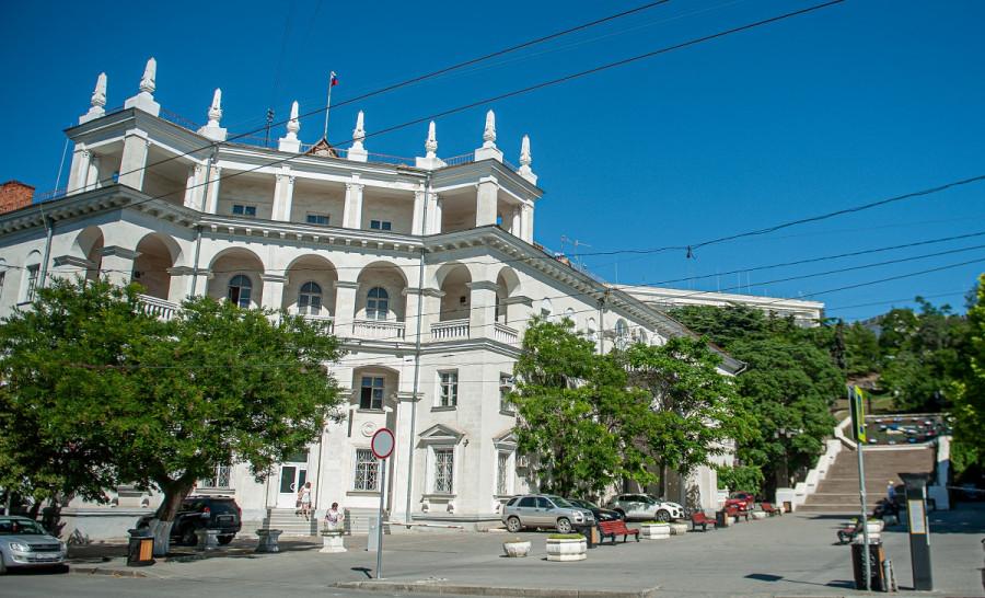 ForPost - Новости : Возвращение Севастополя к истинно белому выглядит магически просто