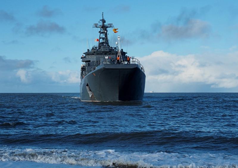 ForPost - Новости : Черное море у Крыма стерегут большие десантные корабли