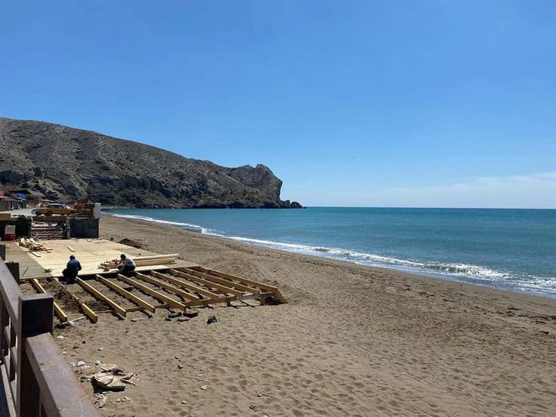 ForPost - Новости : Застройку крымского пляжа объяснили благоустройством