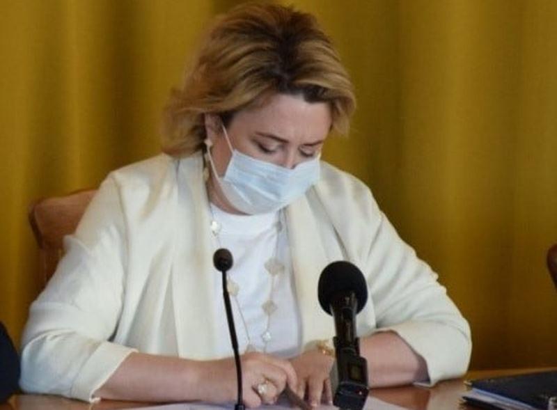 ForPost - Новости : На муниципальном чиновнике из Крыма нашли украшения за 20 миллионов