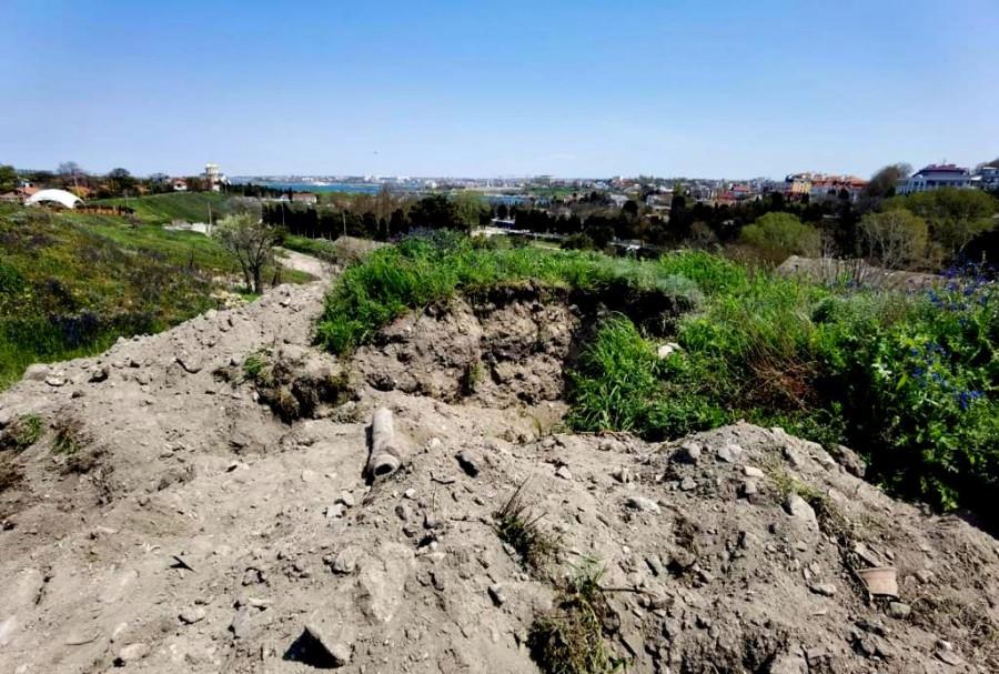 ForPost - Новости : В Севастополе опять роют землю под Херсонесом
