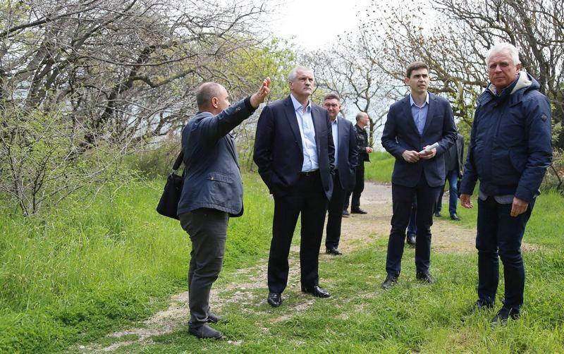 ForPost - Новости : Строителям очистных на ЮБК мешают краснокнижные деревья