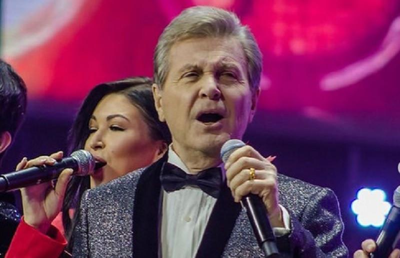 ForPost - Новости : Канадской певице пришлось «прорываться» в Крым