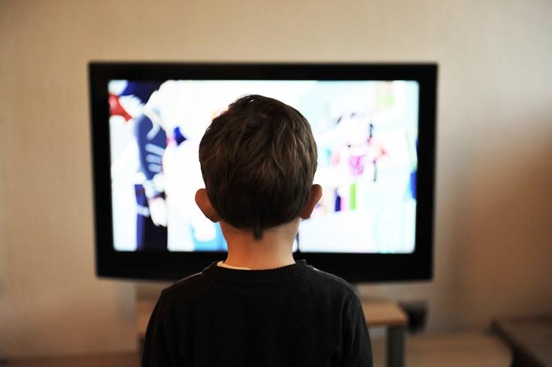 ForPost - Новости : А нам всё равно: телеканалы обвинили в алкоголизации общества