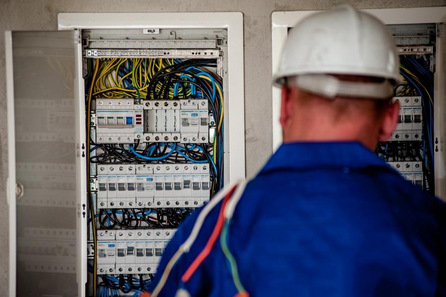 ForPost - Новости : Свет в центре Севастополя пропал из-за несанкционированных работ