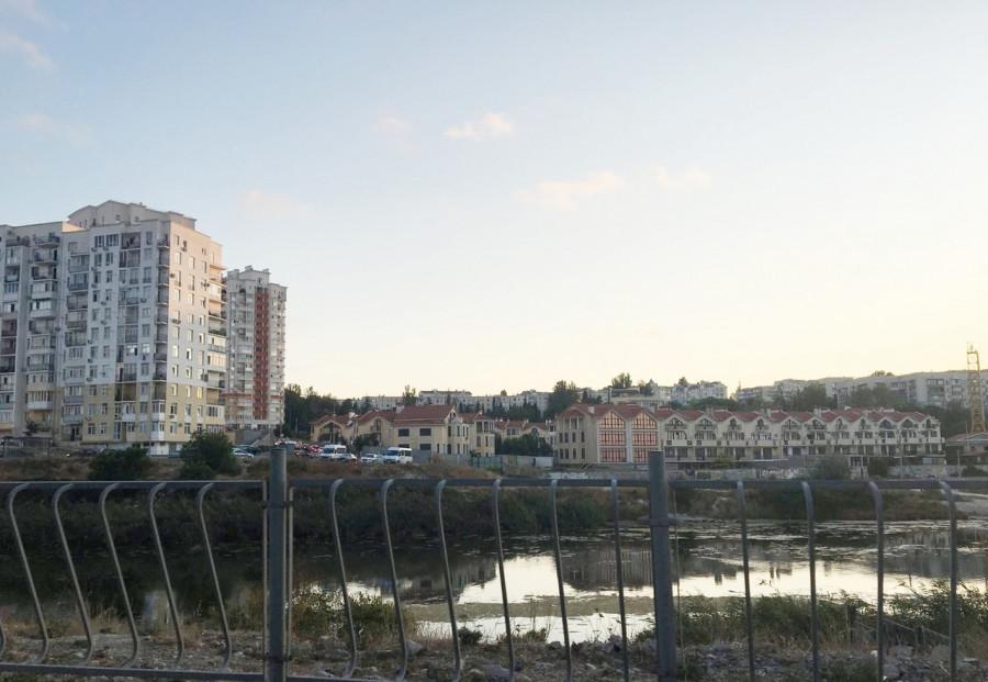 ForPost - Новости : Глава горхоза: Стрелецкая бухта воняет не из-за дыр в канализации