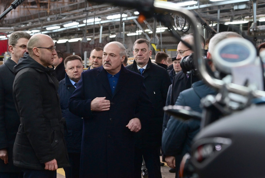 ForPost - Новости : Лукашенко пообещал отомстить европейцам за санкции против Белоруссии
