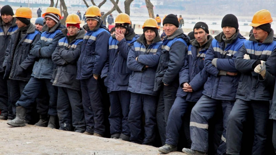 ForPost - Новости : «Рабочих рук не хватает»: Путин пообещал мигрантам комфортные условия