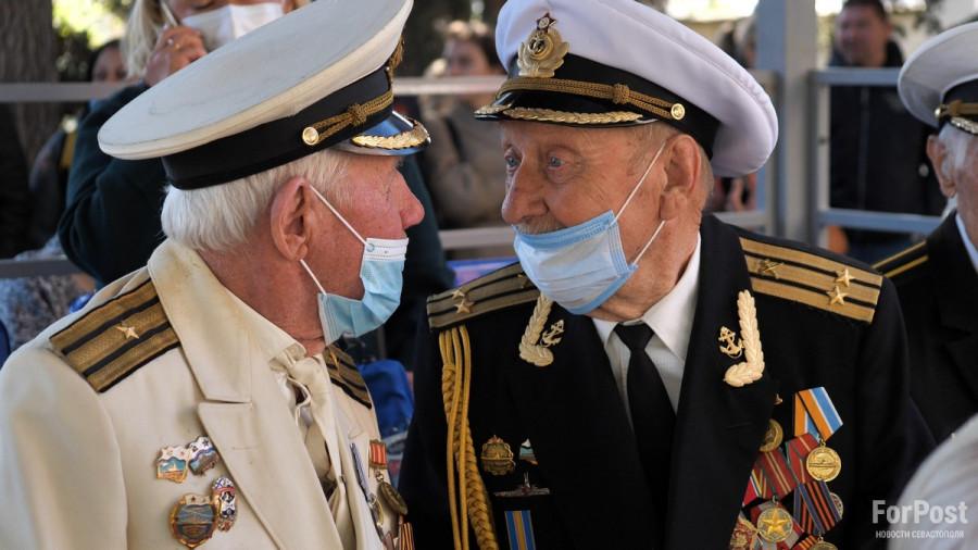 ForPost - Новости : Ветеранам Севастополя не пришлось добывать билет на парад Победы