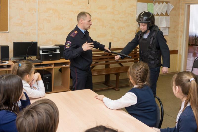 ForPost - Новости : В крымских школах ужесточат пропускной режим после «колумбайна» в Казани