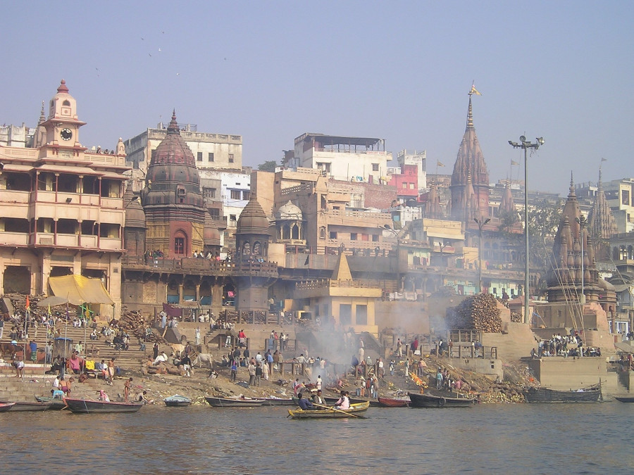 ForPost - Новости : В Индии из реки выловили сто трупов