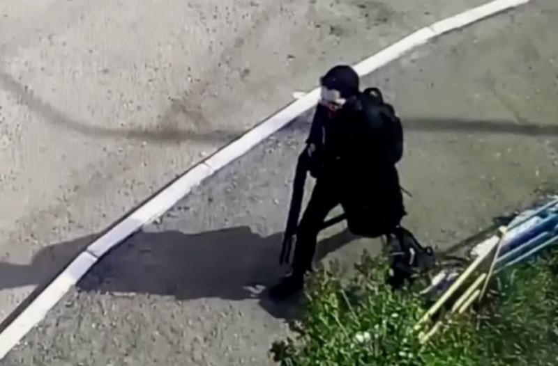 ForPost - Новости : Генерал ФСБ объяснил, почему прохожие не остановили казанского стрелка