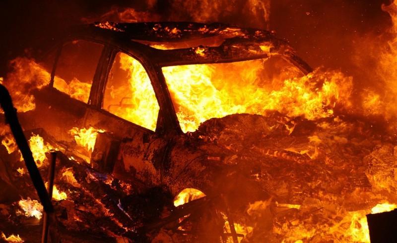 ForPost - Новости : Сахалинец сжёг чужую машину из-за нечаянной обиды