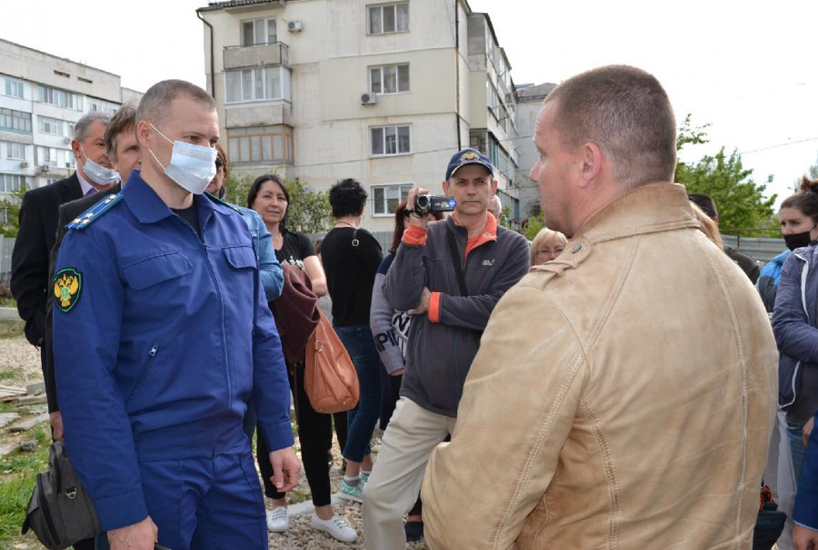ForPost - Новости : Севастопольцы из «Остряково» семь лет не могут получить оплаченные квартиры