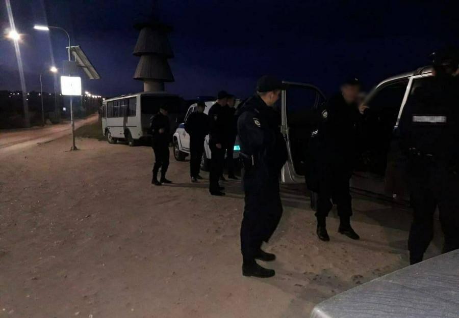 ForPost - Новости : Севастопольская полиция провела ночной рейд на пляже «Баунти»
