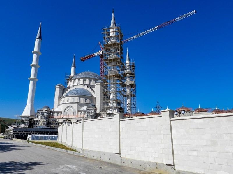 ForPost - Новости : Путин поручил достроить в Крыму мечеть